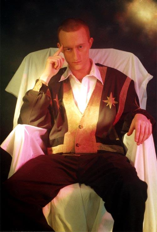 Jonathan Royle Comedy Hypnotist & Psychic Entertainer